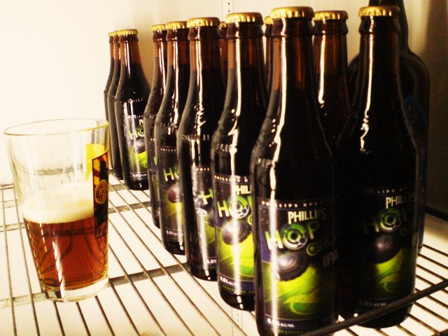Bottles of Phillips Hop Circle IPA