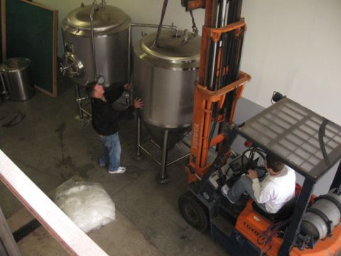 Vertigo installing new 7-bbl system (photo courtesy of Vertigo Brewing)