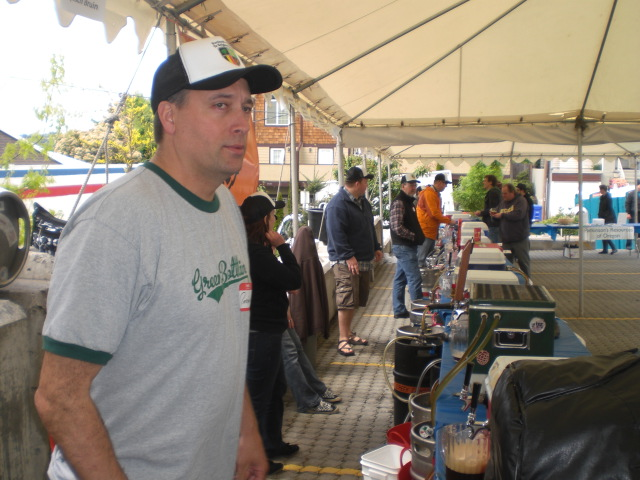 Preston Weesner pours beer at PCTBB