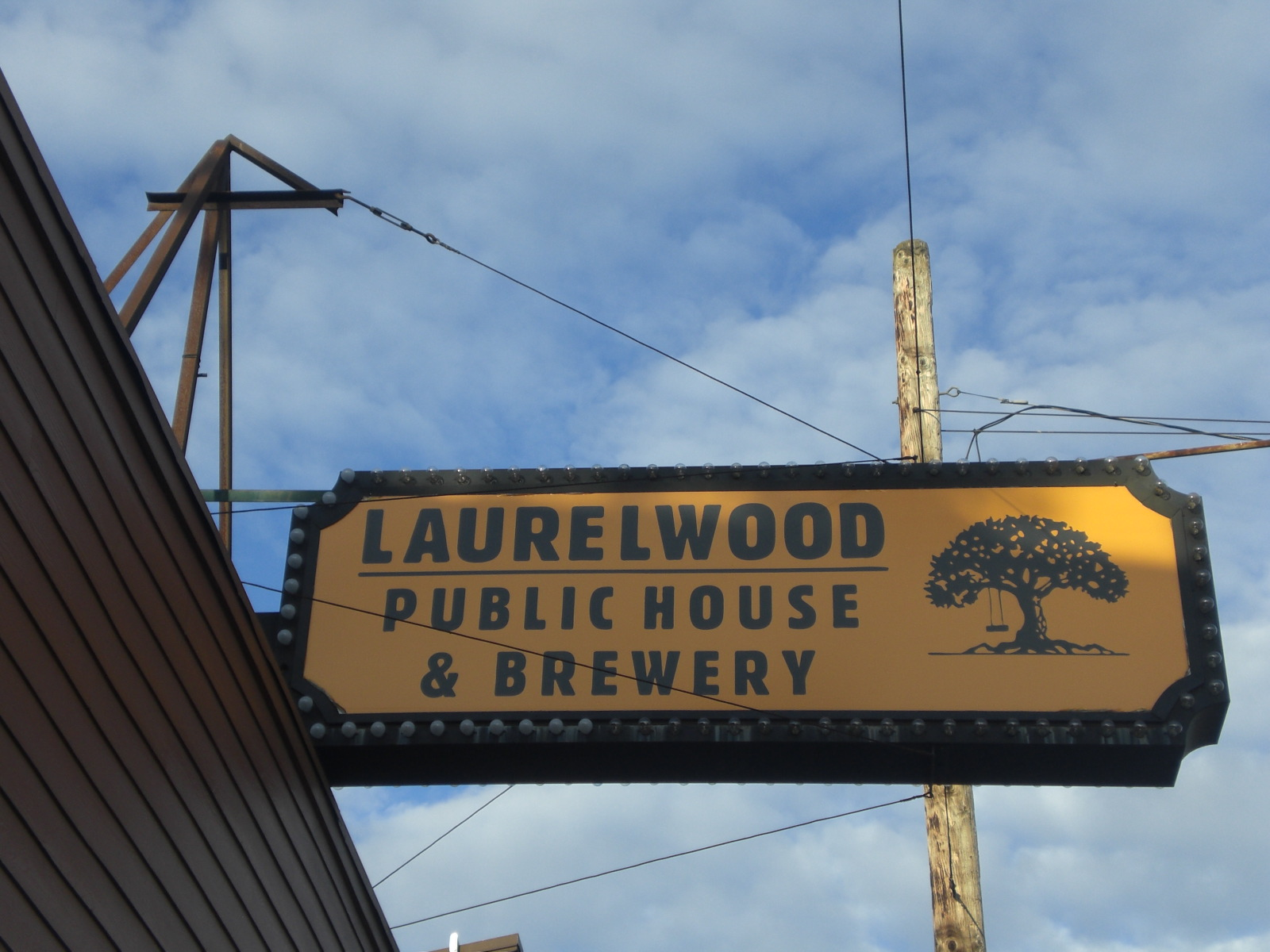 Laurelwood public house brewery 28 images laurelwood for Laurelwood