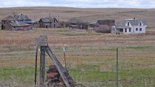 The ghost town of Hardman, Oregon (photo by Lyza Danger Gardner www.lyza.com)