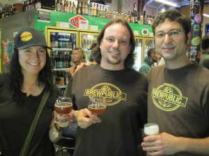 L to R: Chenin Cilurzo Carlton of Twist Wines, Sean Campbell of The BeerMongers, and Alex Ganum of Upright Brewing at Oregon Farmhouse Brewers Night on July 22, 2011