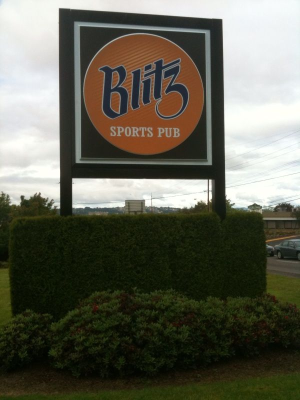Blitz Sports Bar at 99W in Tigard, Oregon