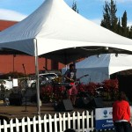 "Tony Smiley, aka ""Loop Ninja"" wowing the crowd at the 2012 Hood River Hops Fest"
