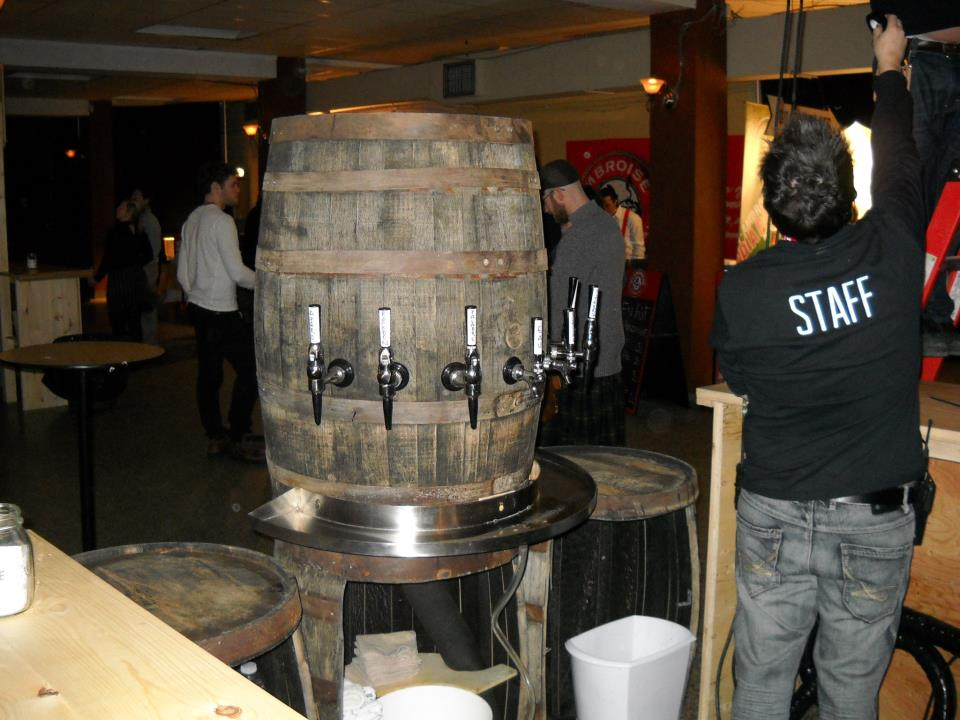 Nitro taps from a barrel a La Cuvee D'Hiver