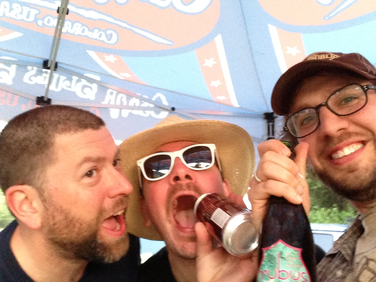 Bahl hornin! Kicking it at the 17th annual Boonville Beer Fest with (L to R) Oskar Blues representative Travis Widdifield and BeerMongers' Jim Bonomo)