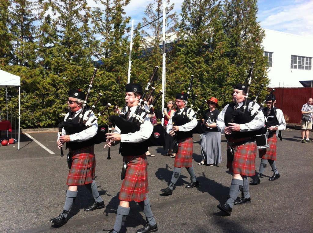 Bagpipers-at-Scottish-Festival-1024x764
