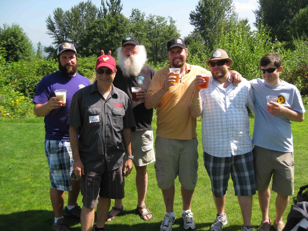 A few of the golfers at the 2011 Sasquatch BrewAm. (photo by D.J. Paul)