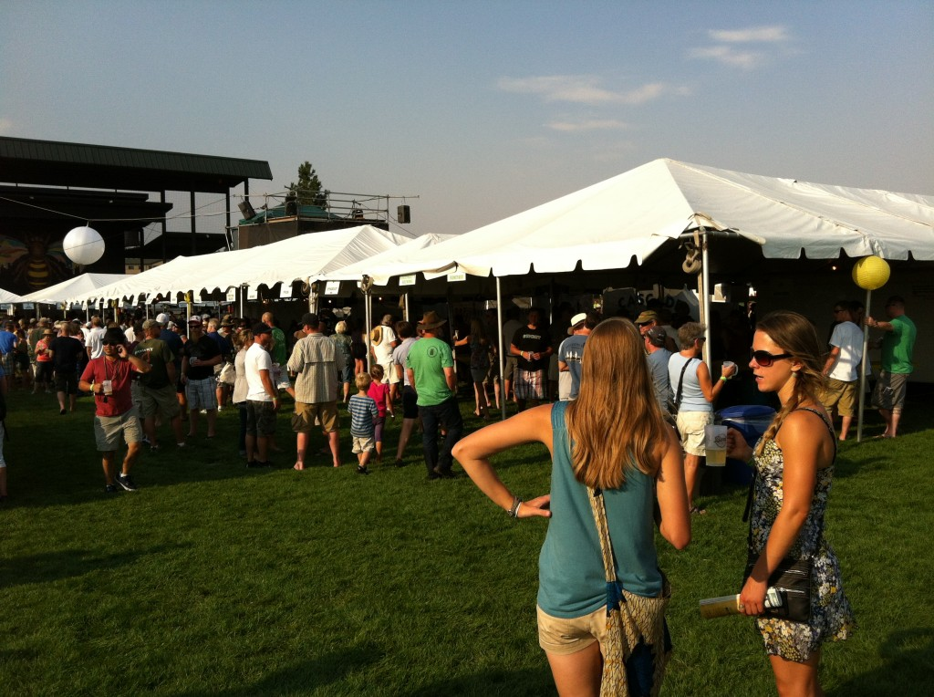 2013-Bend-Brewfest-Crowd-1024x764