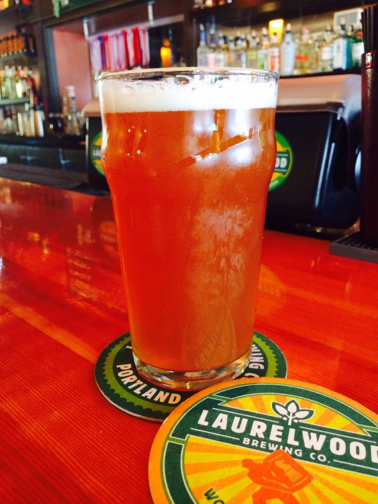 Laurelwood Fresh Hop Workhorse