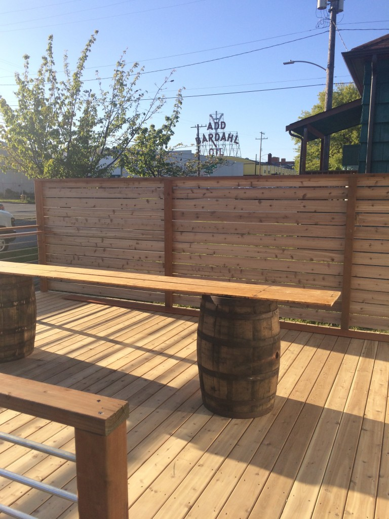 Outdoor Seating at Reuben's Brews