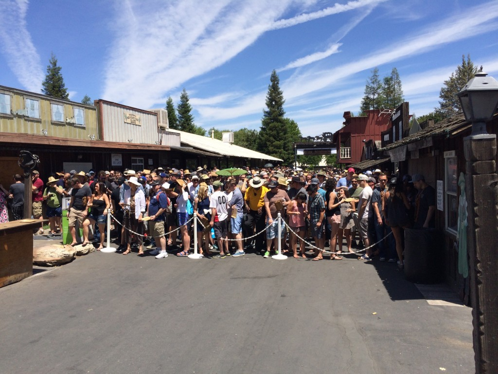 The crowd before the Noon entry at 2015 Firestone Walker Invitational Beer Fest