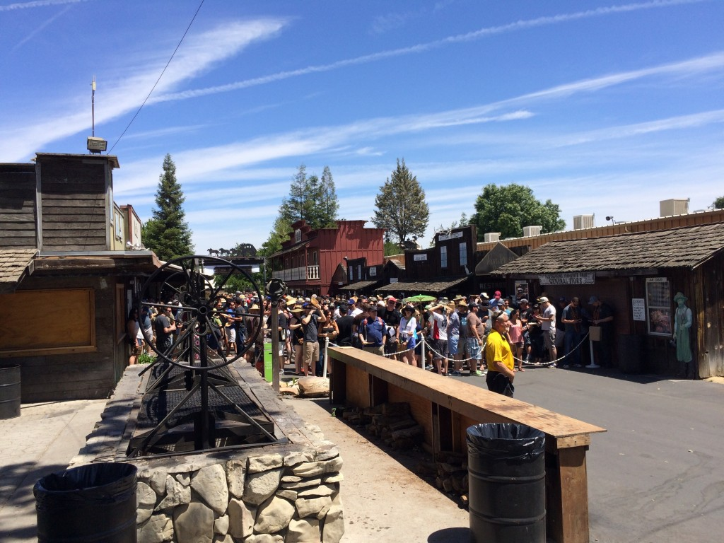 The crowd gathers before General Admission gates open at Noon at 2015 Firestone Walker Invitational Beer Fest