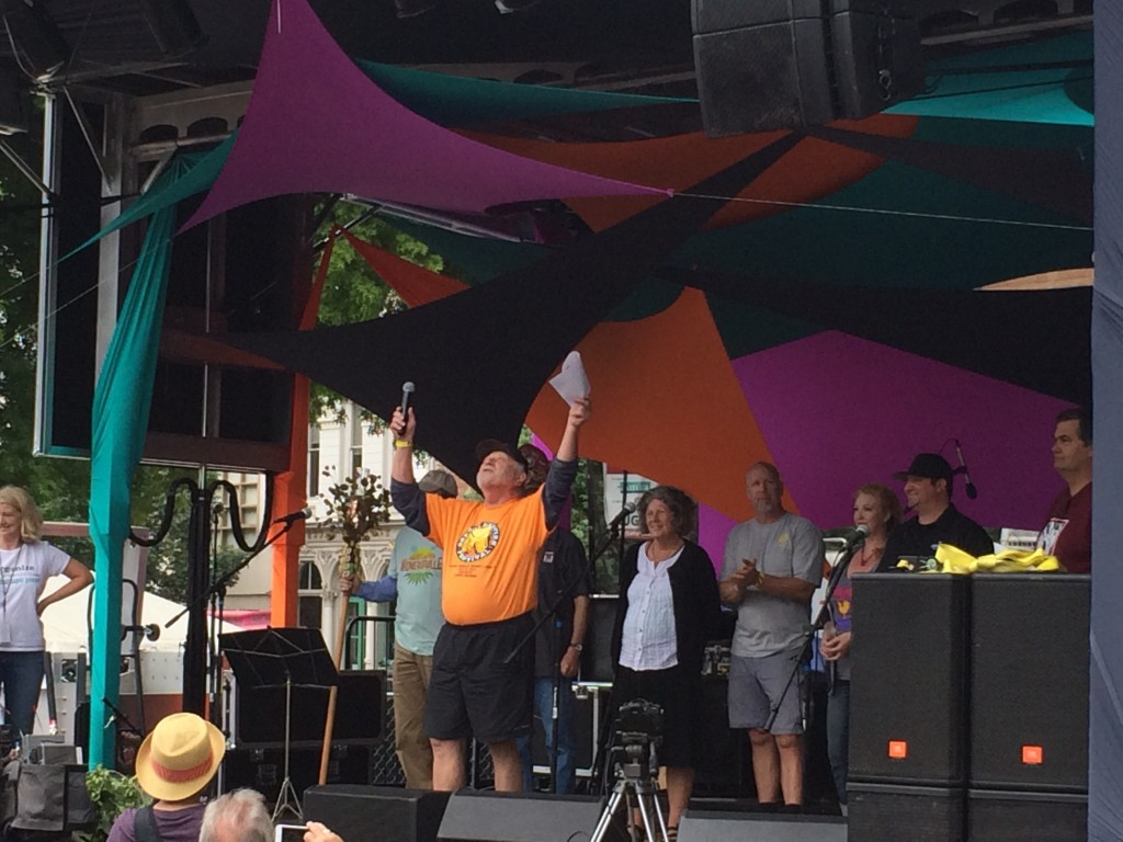 Art Larrance thanks the weather gods for great weather at 2015 Oregon Brewers Festival