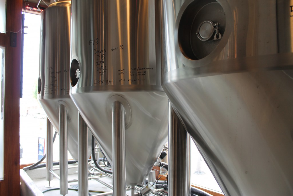 Splash Brewing 10 BBL Tanks from DME Brewing Solutions