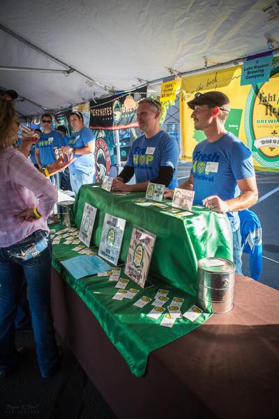 Volunteers at Yakima Fresh HopAle Festival (photo courtesy of Yakima Fresh HopAle Festival)