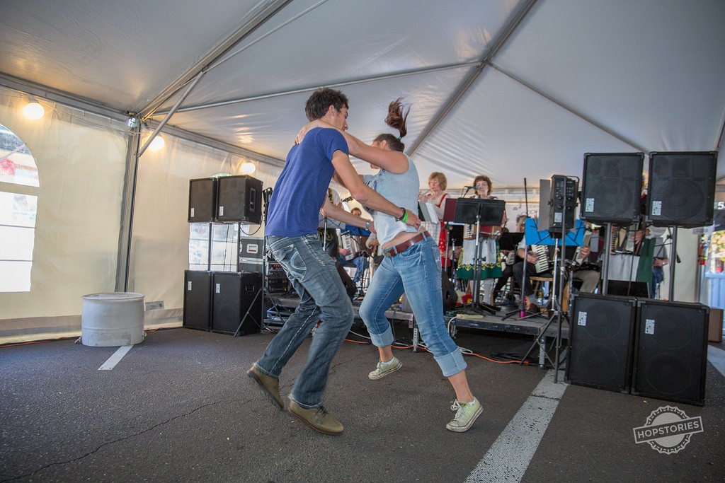 2015 Bloktoberfest Dancing (photo courtesy of Hopstories)