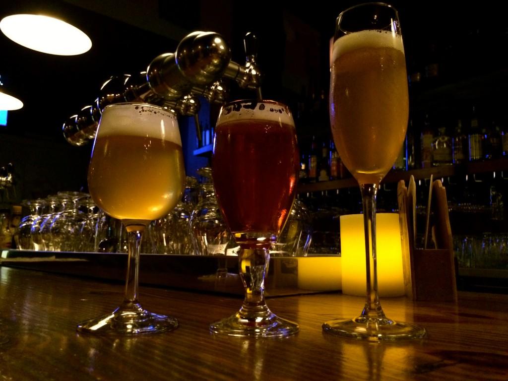 Kwaktoberfest Beer Flight at Bazi (photo by D.J. Paul)