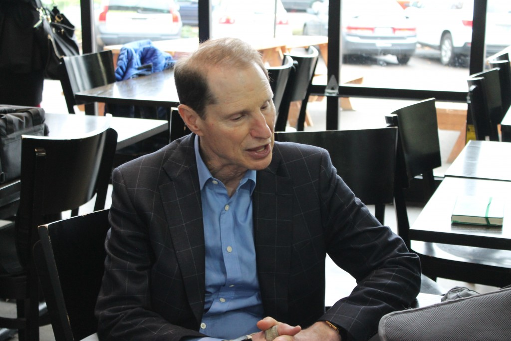 Senator Ron Wyden discussing the Anheuser-Busch InBev and SABMiller merger with D.J. Paul of Brewpublic