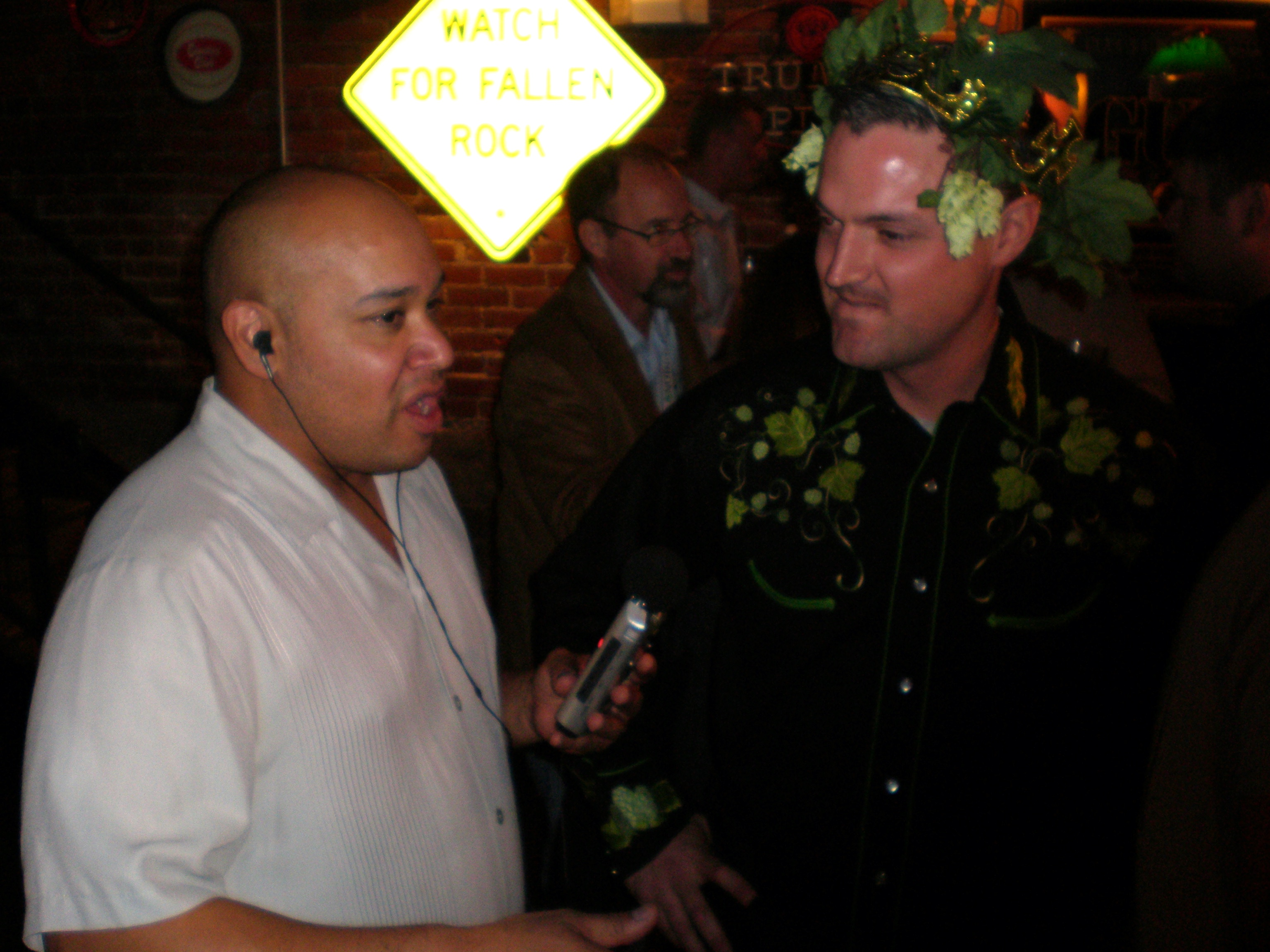 Steve Mosqueda Interviewing 2007 Alpha King Challenge Winner Vinnie Cilurzo of Russian River for Pliny the Elder Double IPA. (photo by D.J. Paul)