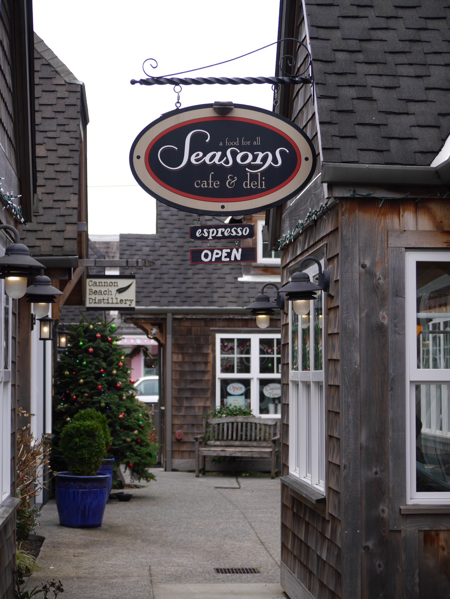 Seasons Cafe in Cannon Beach, OR (photo by Cat Stelzer)