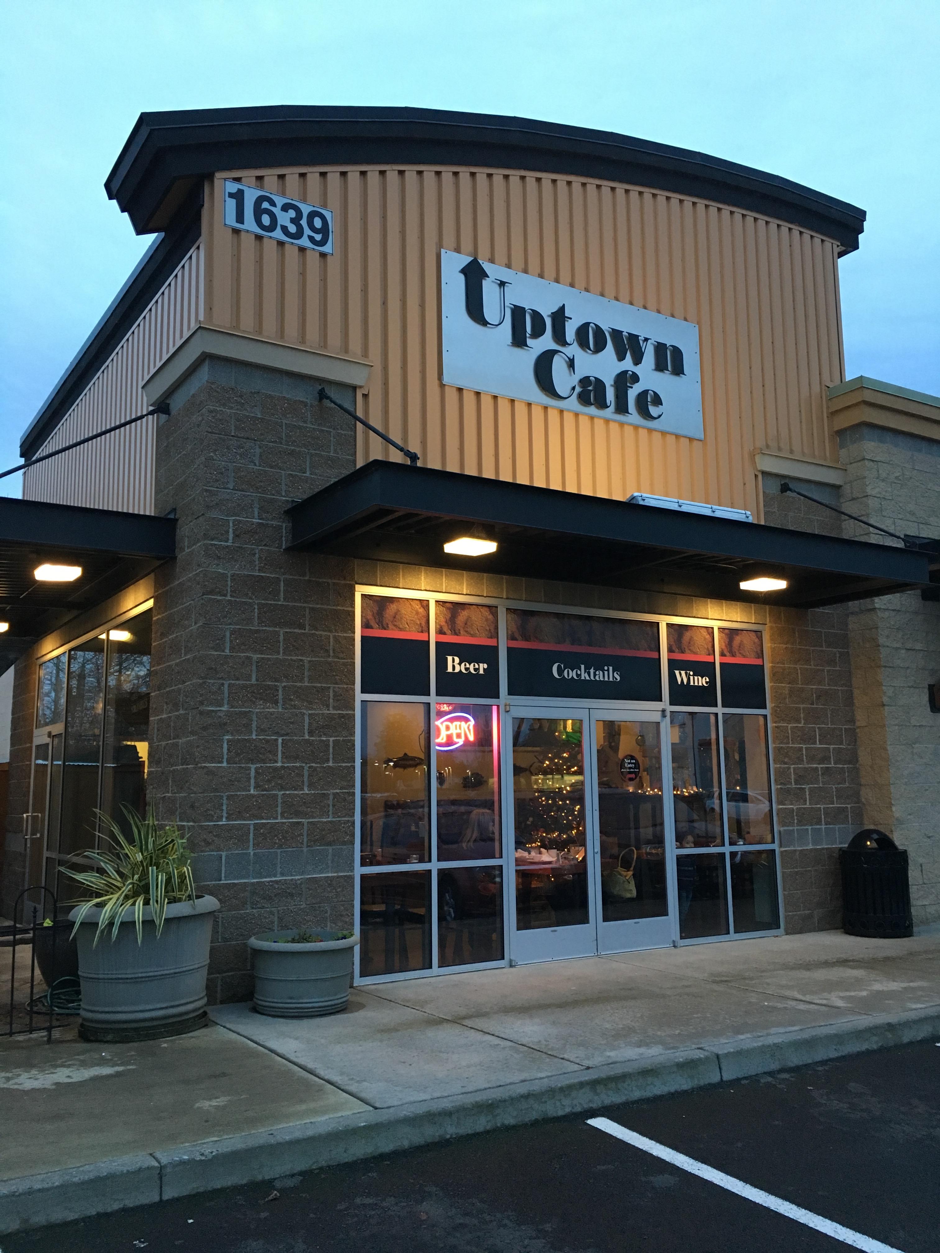 Uptown Cafe in Warrenton, Oregon