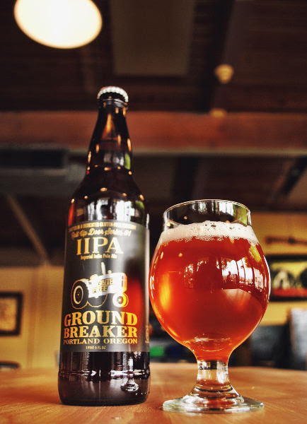 Ground Breaker Roll Up Door Series #1 IIPA glass pour. (image courtesy of Ground Breaker Brewing)