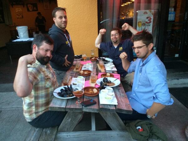 Brewers at the Mussels From Brussels during the 2015 competition at Bazi. (image courtesy of Bazi)