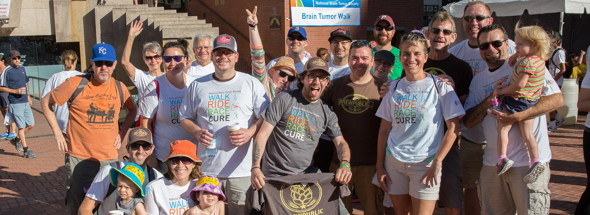 Team Brewpublic at the 2015 National Brain Tumor Society Portland Walk. (image courtesy of the Portland chapter of the NBTS)