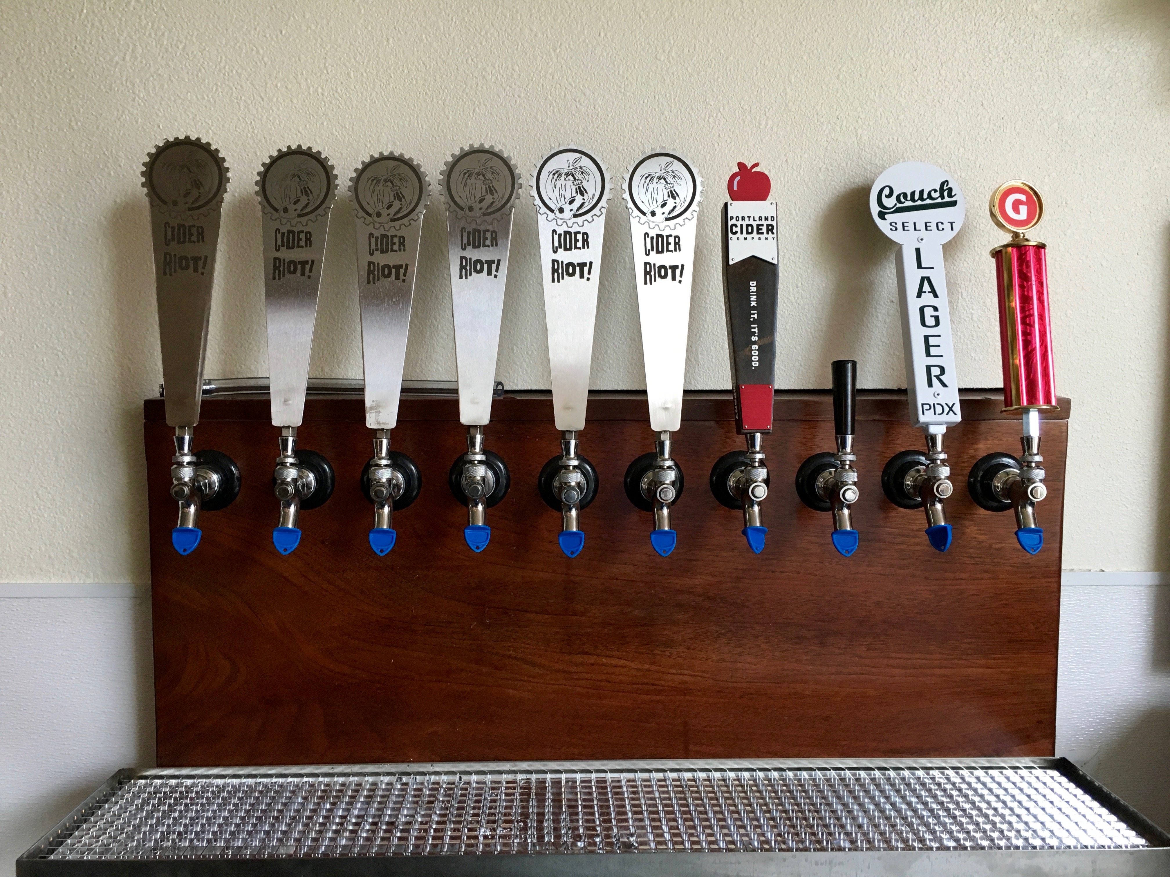 Ten taps at Cider Riot! Pub that includes 8 ciders and two beers.