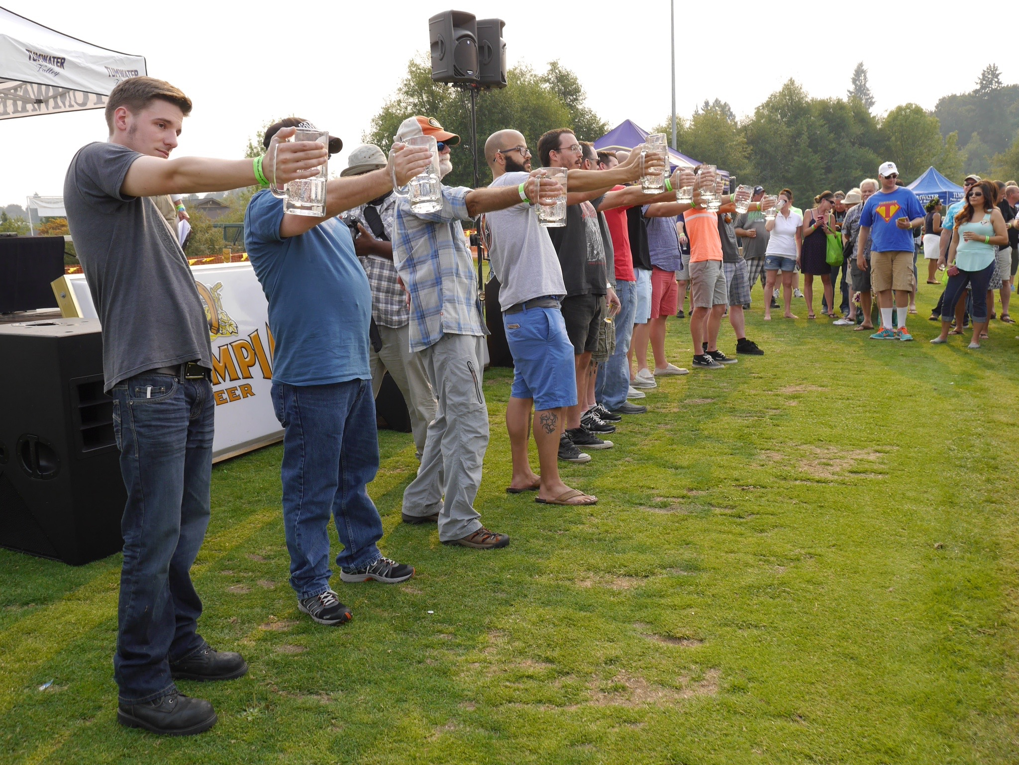 The lineup of participants in the Stein Holiding Contest at the Tumwater Artesian Brewfest. (photo by Cat Stelzer)