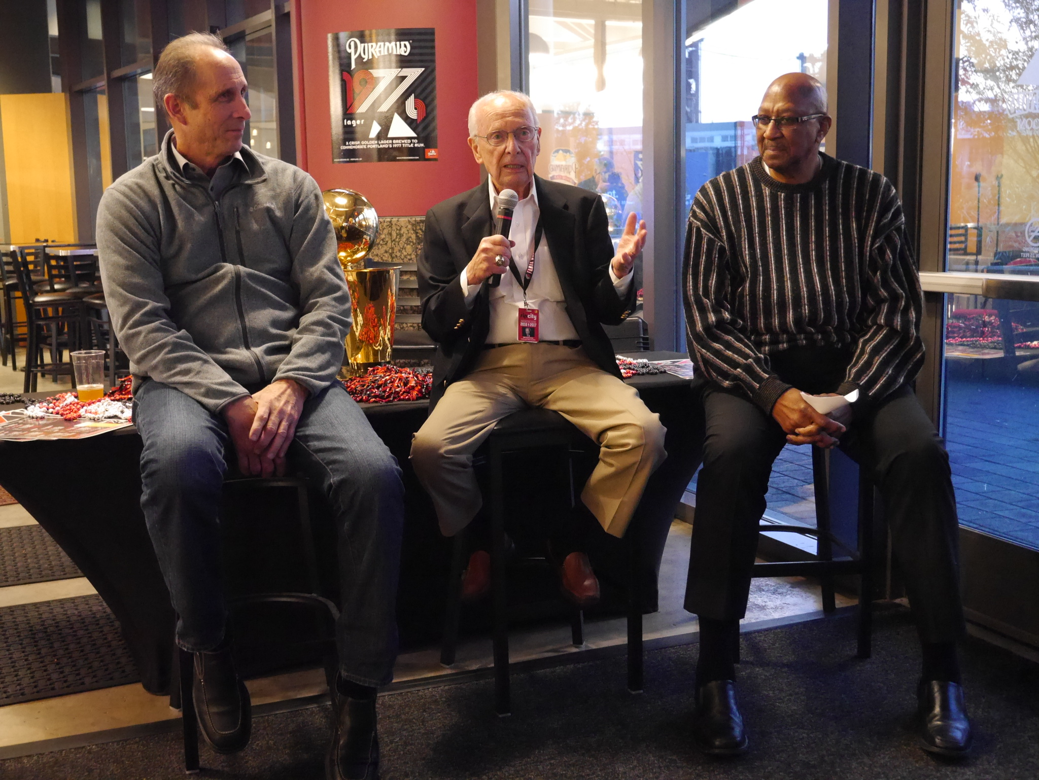 Bob Gross, Bill Schonely, and Lloyd Neal discussing the 1977 Portland Trail Blazers during an launch event for Pyramid Brewing 1977 Lager. (photo by Cat Stelzer)