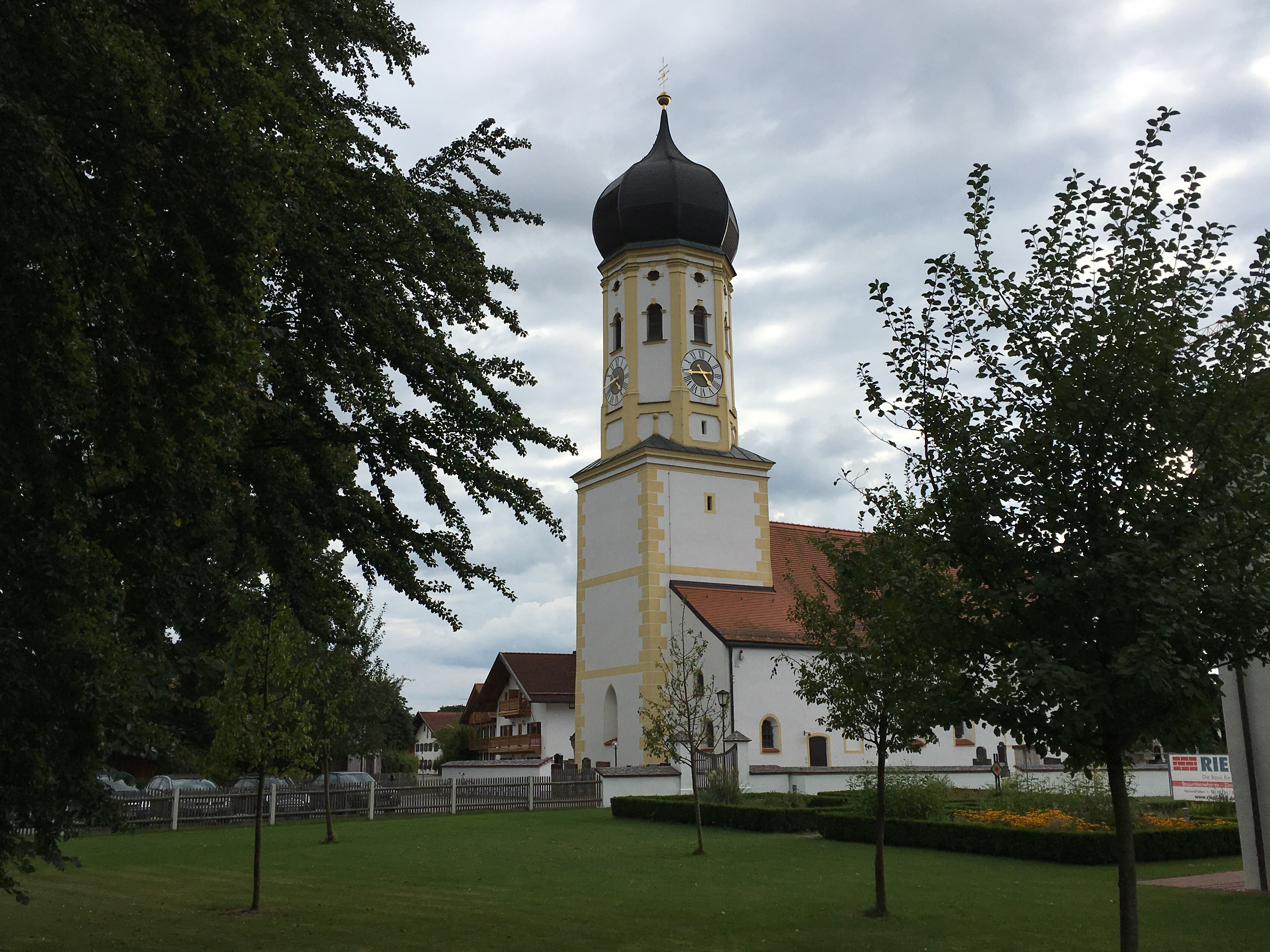 Pfarrkirche Sankt Andreas is a nearby walk from Brauereigasthof Hotel Aying in Aying, Germany.