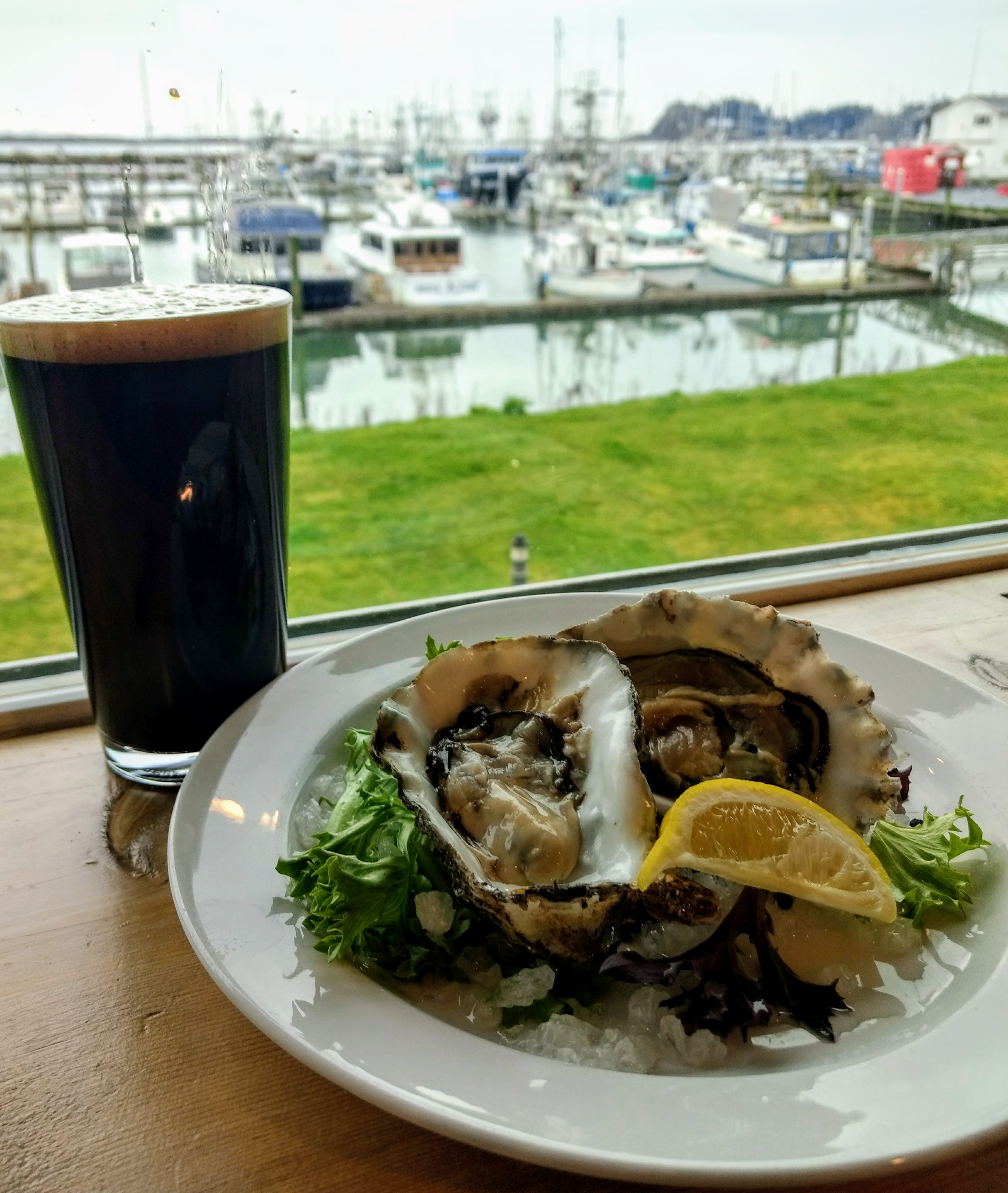 A stout and oysters pairing. (image courtesy of Salt Hotel & Pub)