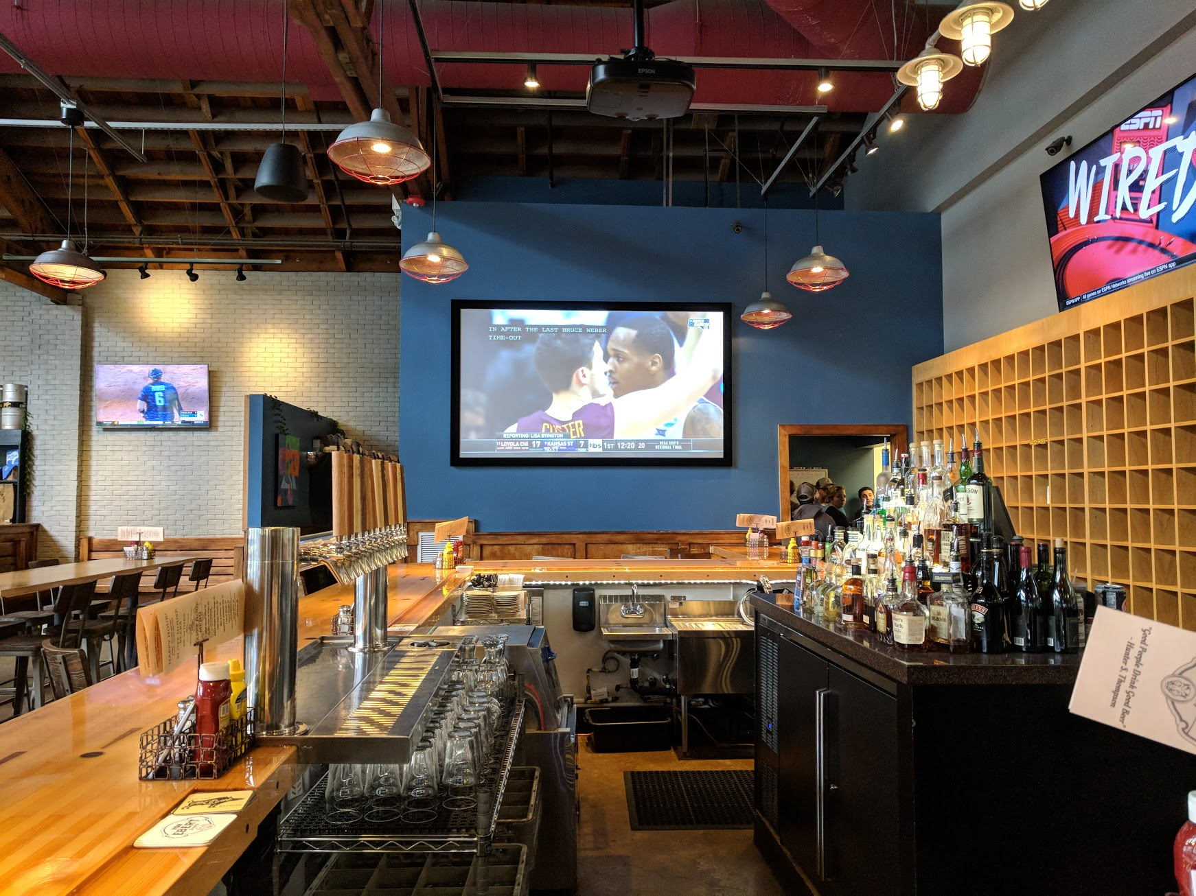 Looking down the bar at Von Ebert Brewing. (photo by Nick Rivers)