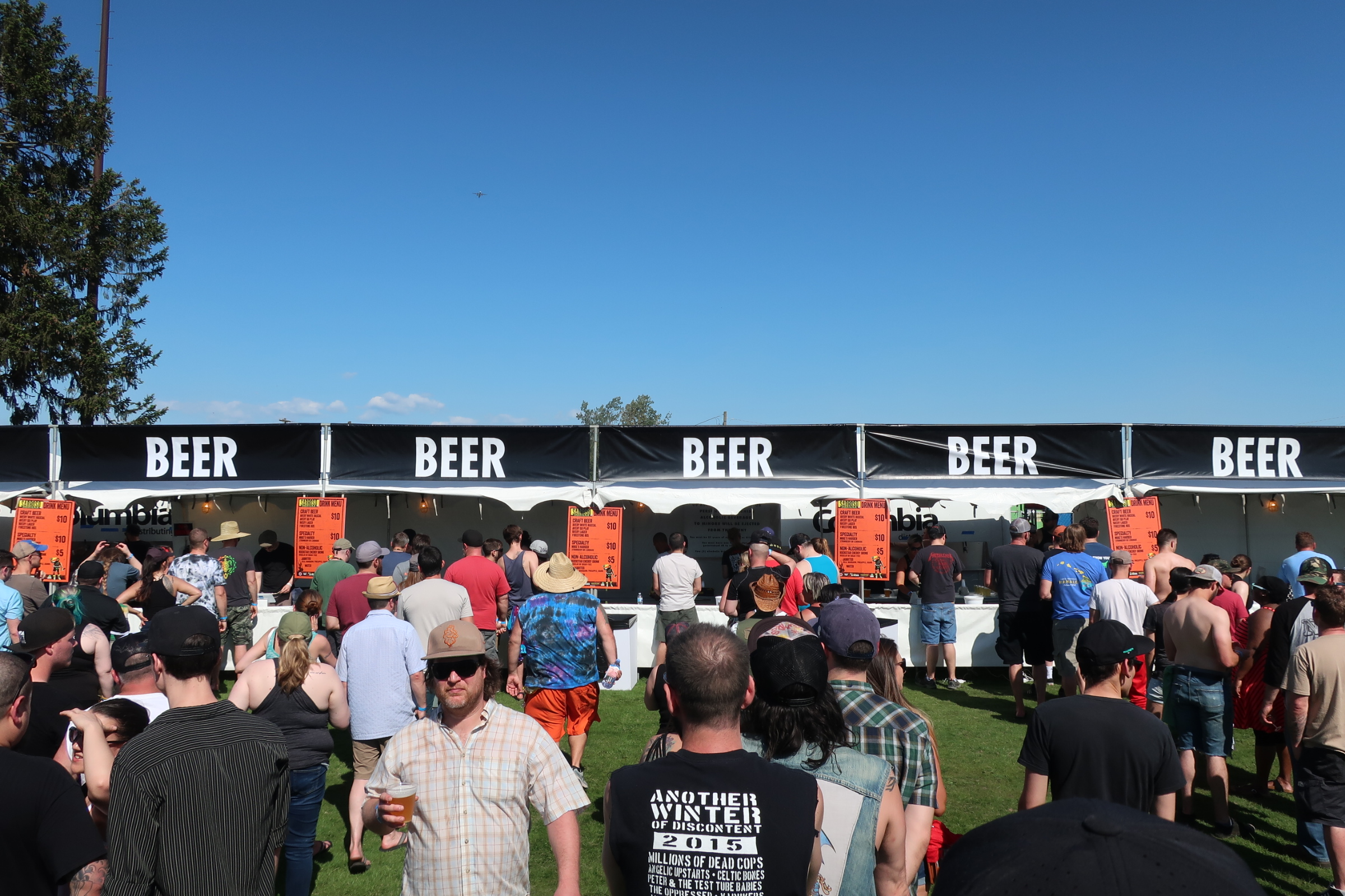 Beer line at the 2018 stop of Sabroso Craft Beer, Taco & Music Festival in Portland, Oregon.