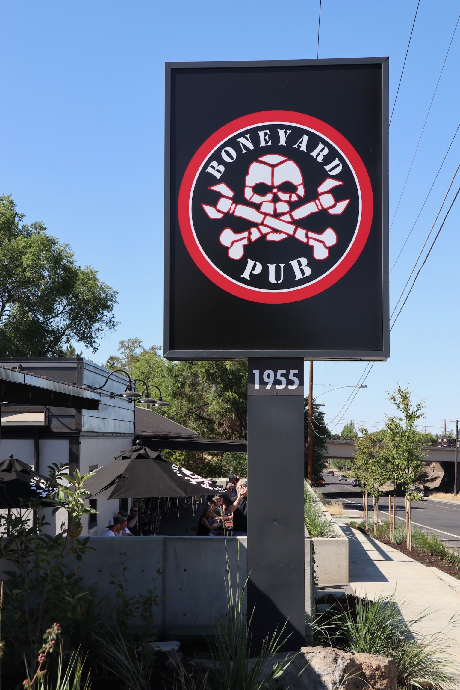 Boneyard Pub sign. (photo by Cat Stelzer)