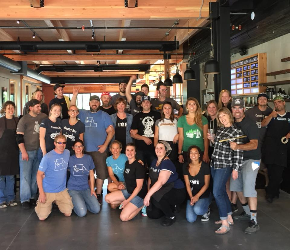 The crew at Everybody's Brewing when it opened its new location at the end of June 2018. (image courtesy of Everybody's Brewing)