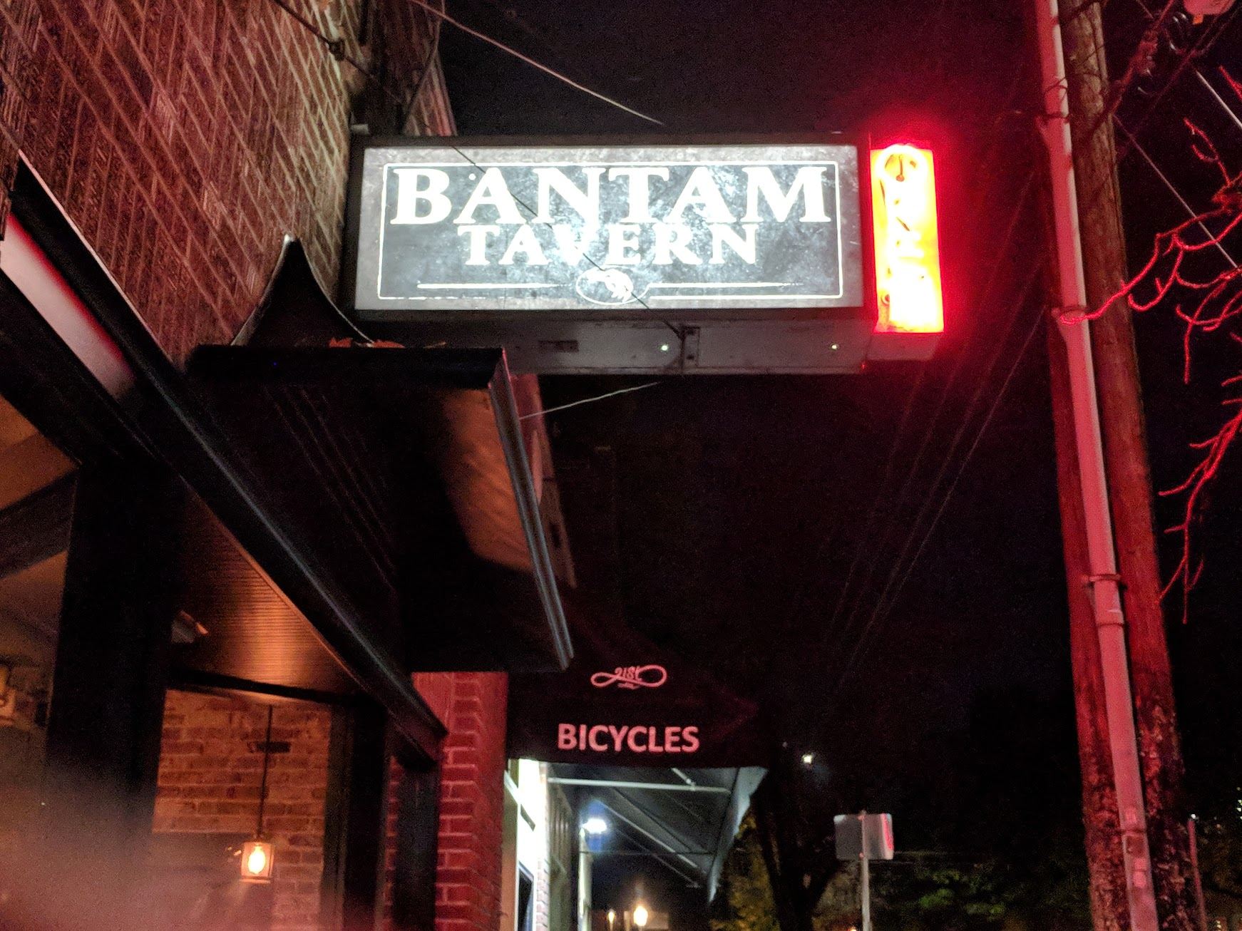 Bantam Tavern sign on NW 21st Avenue. (photo by Nick Rivers)