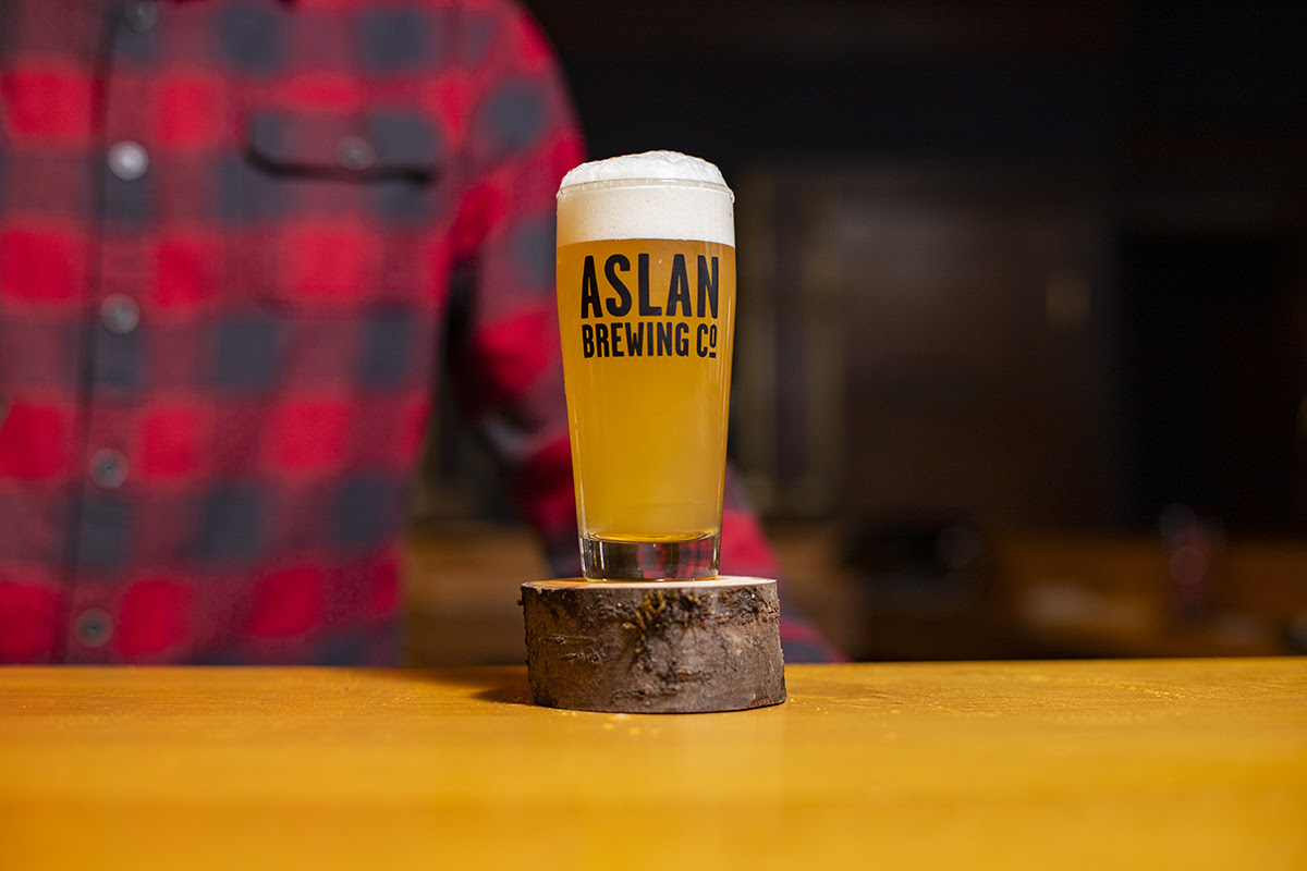 image of Flannel Blizzard Pale Ale courtesy of Aslan Brewing