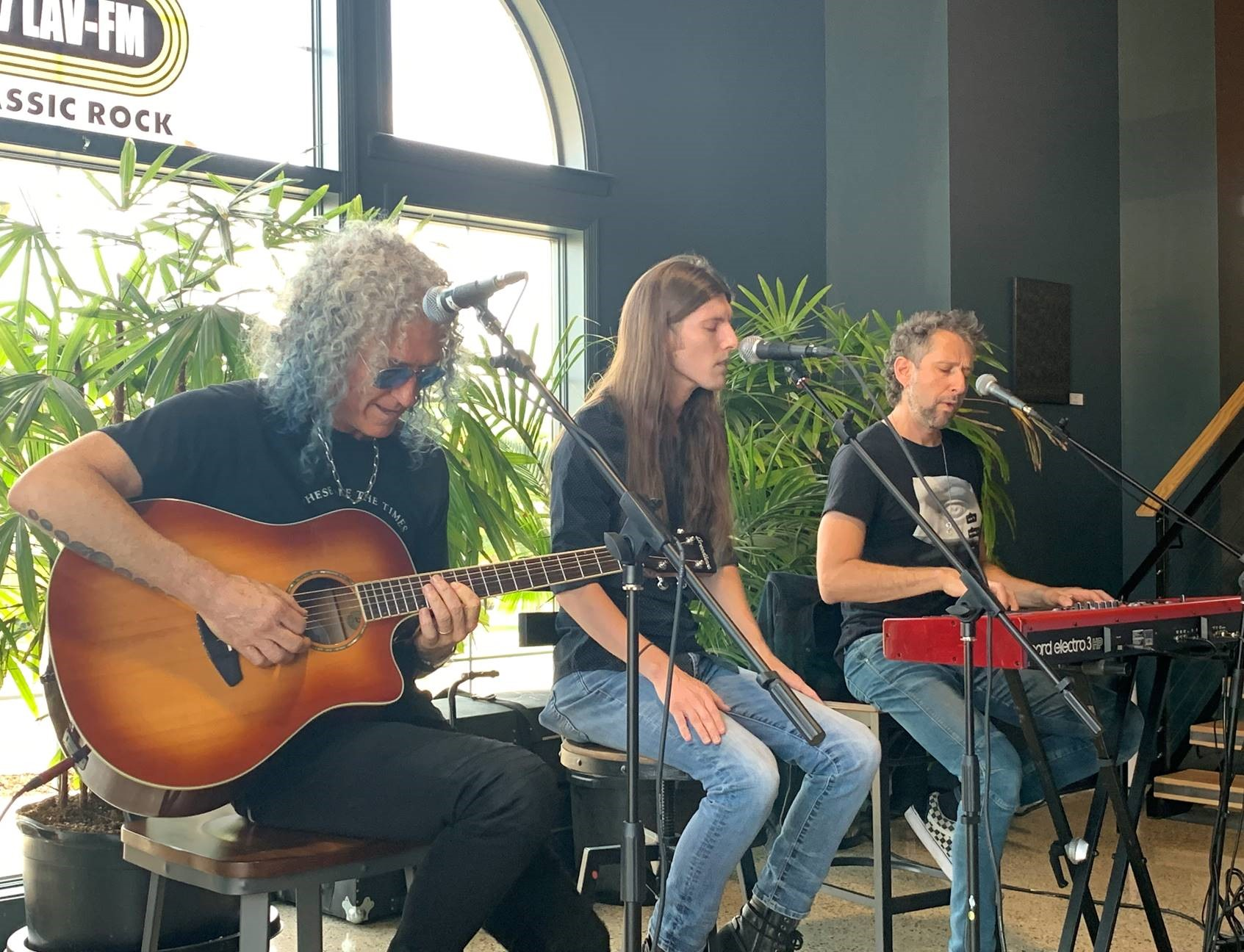 An acoustic set Bruce Watson & Michael Bluestein of Foreigner with guest singer Eric Harmon of Reverend Jack. (image courtesy of Pike Brewing)