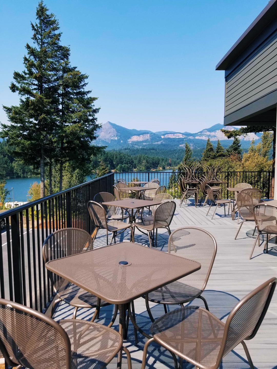 The new location of Thunder Island Brewing Co. offers views of the Columbia River and Cascade Mountains. (image courtesy of Thunder Island Brewing Co.