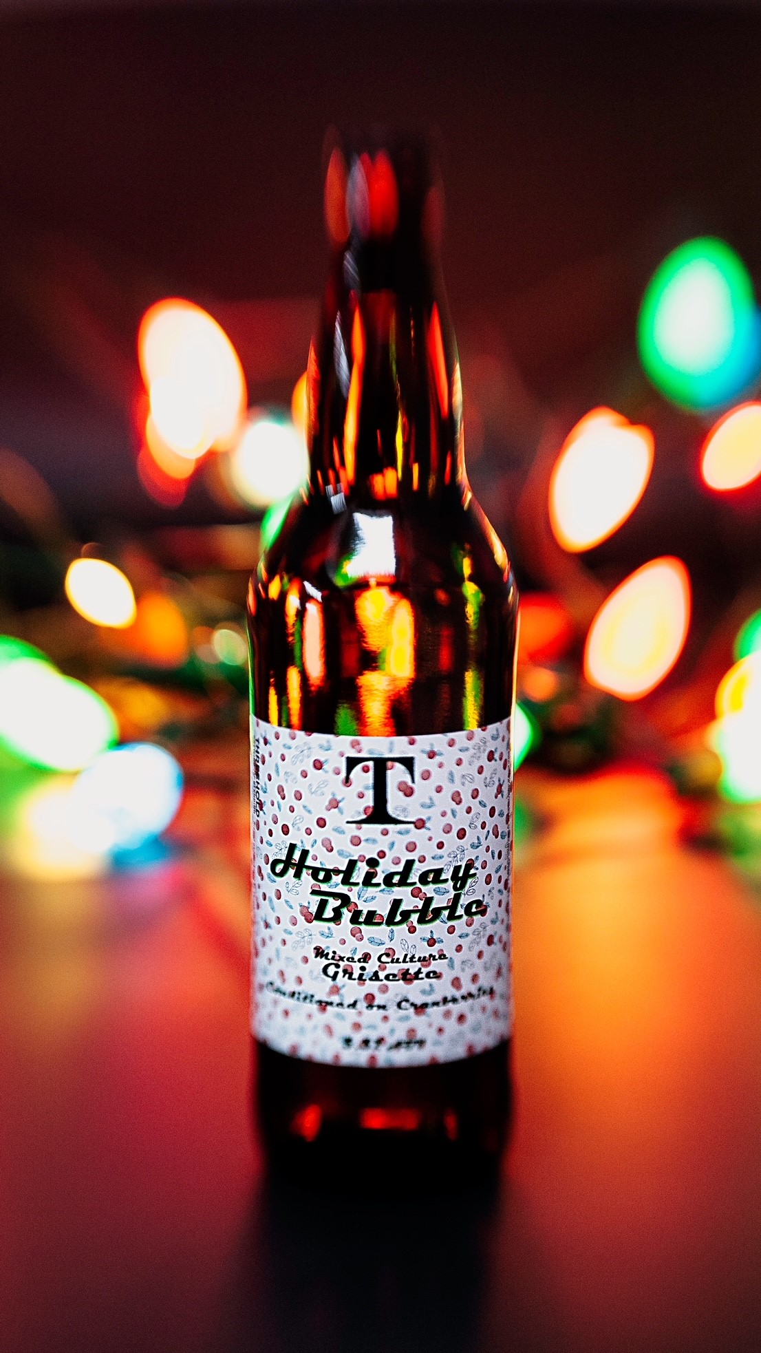 image of Holiday Bubble courtesy of Threshold Brewing