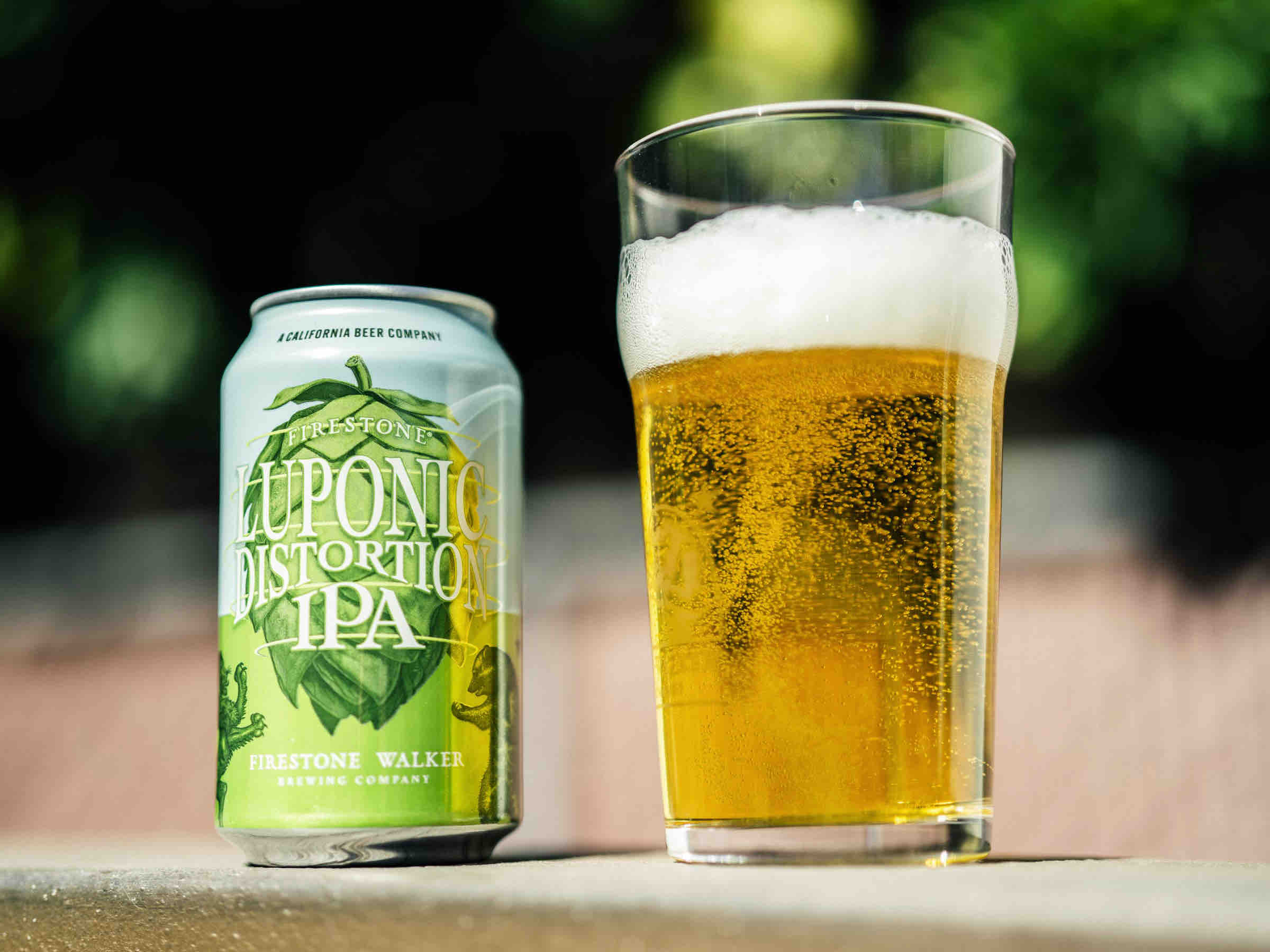 image of Luponic Distortion IPA No. 018 courtesy of Firestone Walker Brewwing