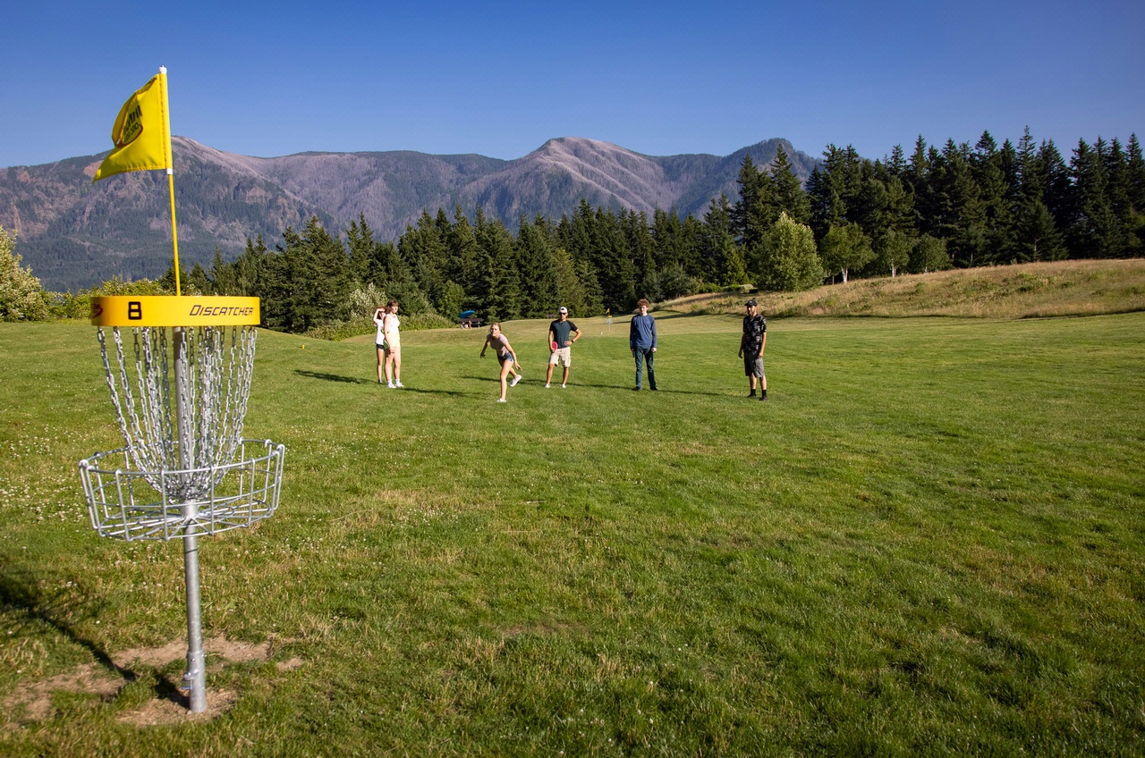 image of The Backyard Disc Course courtesy of Skamania Lodge